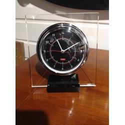 Horloge ANVI Plexi (C- noir)