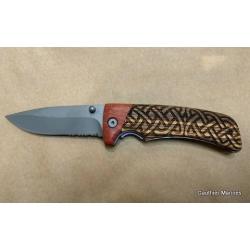 Couteau Gravé Celtique