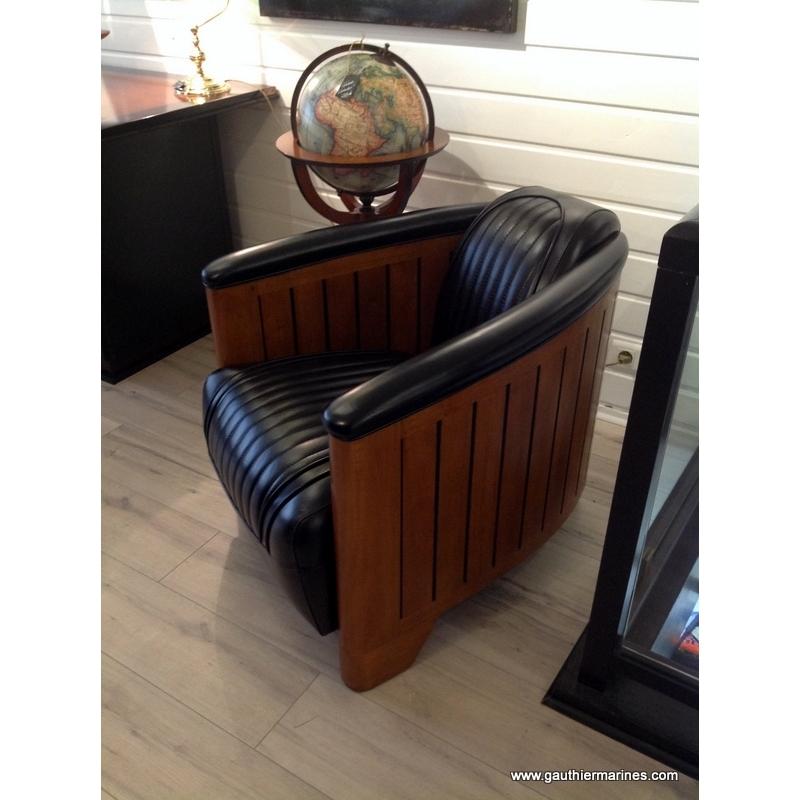 Fauteuil Club en cuir noir décoration marine